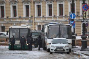 Центр Петербурга в заборах и погонах