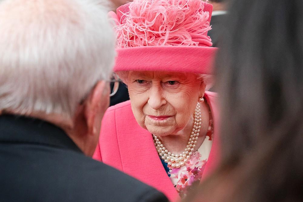 Елизавета II надавила на правительство, чтобы скрыть доходы
