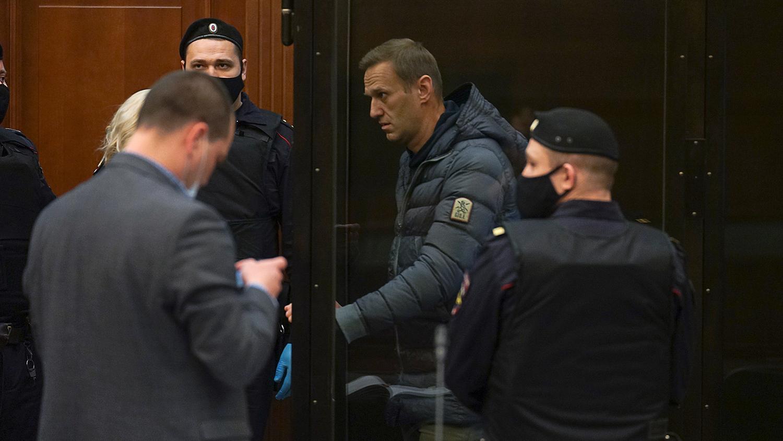 ФБК восстановил путь Навального в колонии